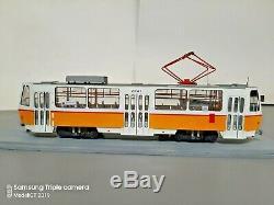 143 Scale Model of CKD Tatra T6A2 Streetcar Tram with LED & figurine