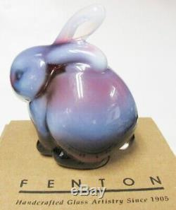 5162PO Bunny Rabbit Figurine VERY RARE PLUM French Opalescent Brand New & MINT