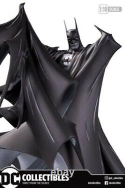 BATMAN BLACK & WHITE TODD MCFARLANE Ver 2 Deluxe Statue Ltd 5000