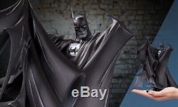 BATMAN BLACK & WHITE TODD MCFARLANE Ver 2 Deluxe Statue Ltd 5000 PRE-ORDER