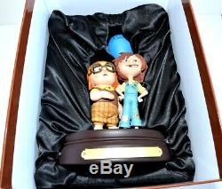 Disney Pixar Up Carl & Ellie figure Limited Edition, Disneyland Paris Exclusive