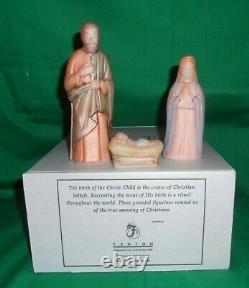 FENTON ART GLASS 1st Edition 2007 Nativity 12 Piece Set 1st Edition # 2 / 1000