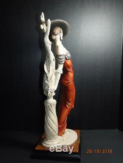 GIUSEPPE ARMANI Limited Edition FASCINATION 18 figurine LADY With SCULPTURE