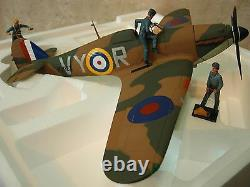 Hawker Hurricane Mk1 P2923 Albert Lewis Castle Camps + 3 Figurines Die-Cast 132