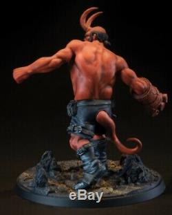 Hellboy Polyresin Statue Mantic Series 9 Tall Limited Edition x/500 Presale